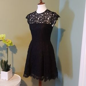 Black Lace BB Dakota Dress